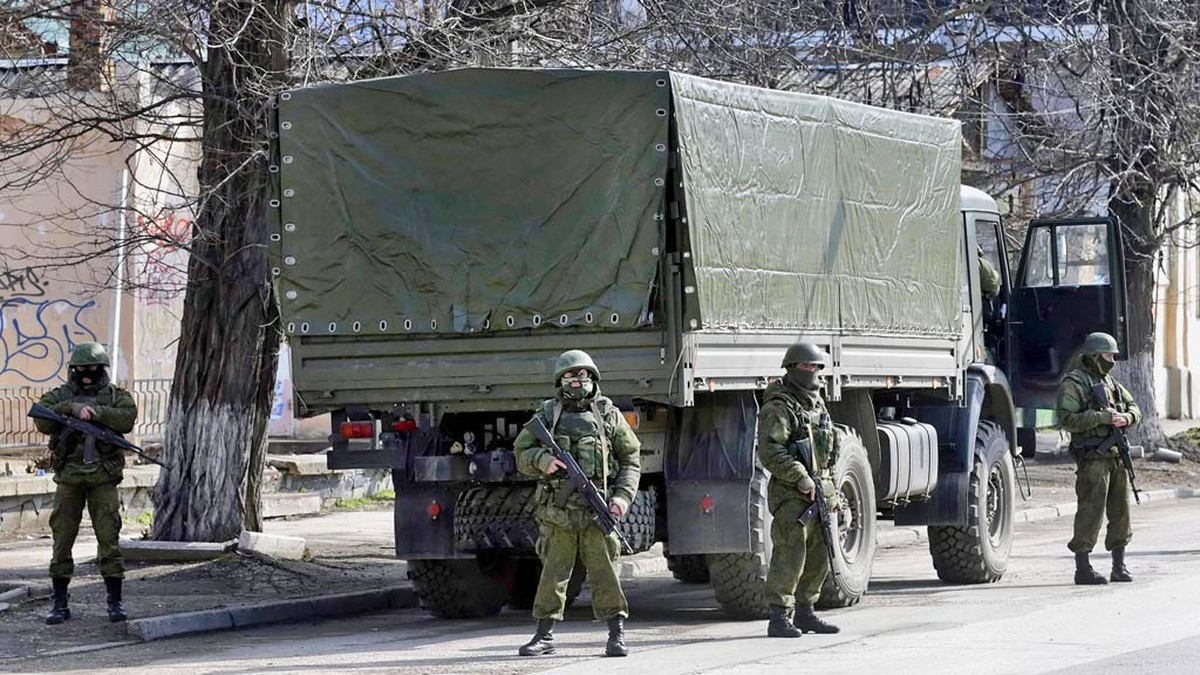 00 crisis 02. ukrainian soldiers. 02.03.14
